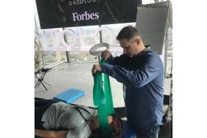 Ленты-эспандеры Thera-Band на мастер-классе в Forbes Ontology