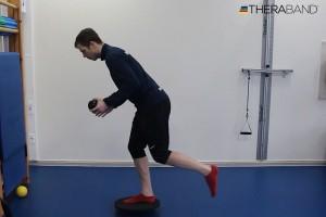 Упражнения для развития баланса и равновесия на нестабильной опоре